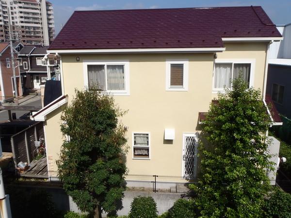 外壁石調吹き付け・屋根塗装