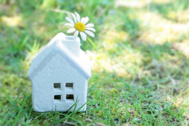 外壁塗装に適した季節とは?特に春と秋が選ばれる理由